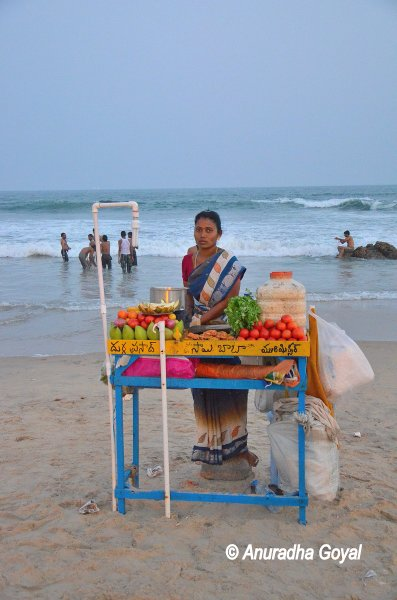 Chaat food vendor by the Ramakrishna Beach