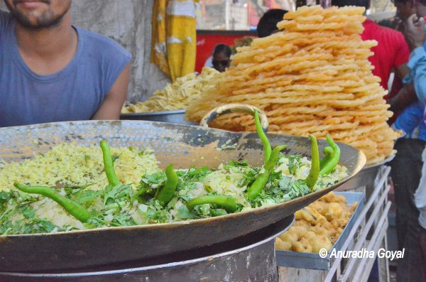 Pohe, Jalebi - the most popular street food of MP