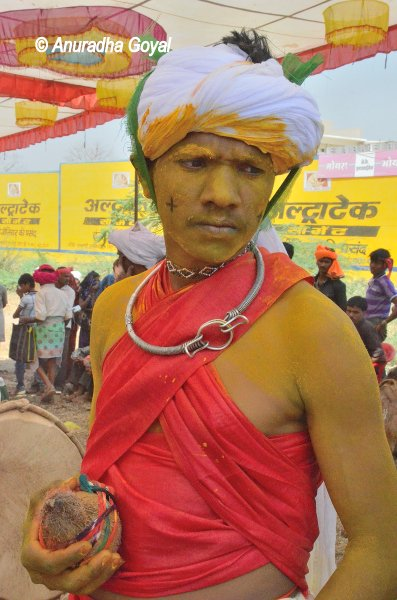 A tribal dancer at Ranapur