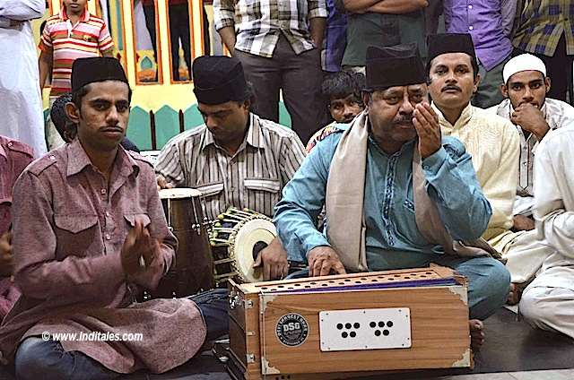 Qawwali Singing at Yousufain Dargah Hyderabad