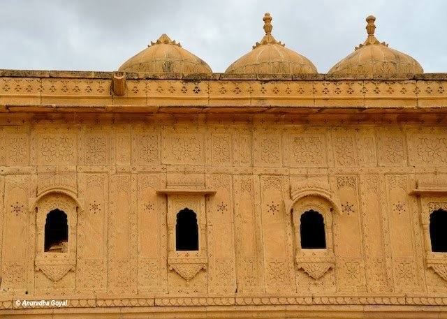Typically carved windows and walls on Royal Cenotaph, Bada Bagh