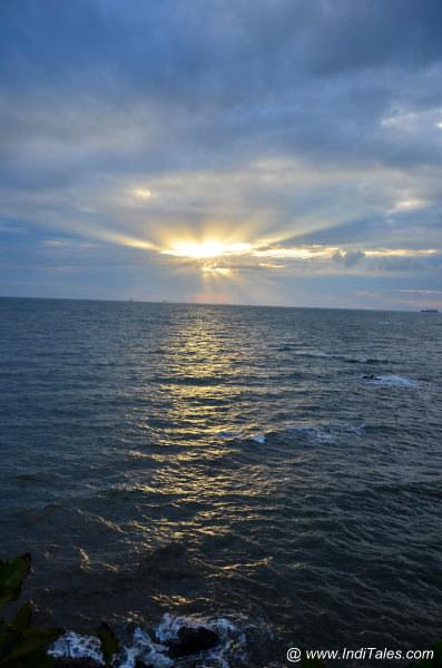 Sunset moments at Dona Paula