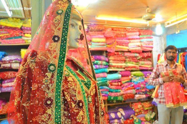 Khara Dupatta - Laad Bazaar - Hyderabad