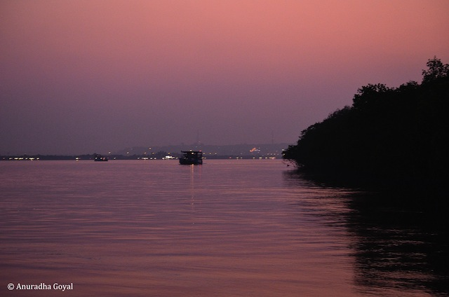 Mandovi by the dusk