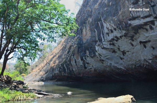 Long monolithic Syntheri Rock, Dandeli