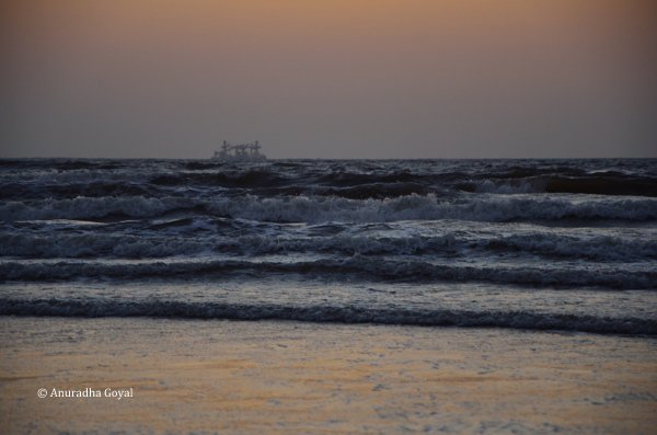 Untiring waves of Arabian sea