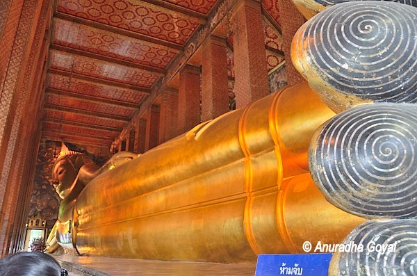 Reclining Buddha from his feet