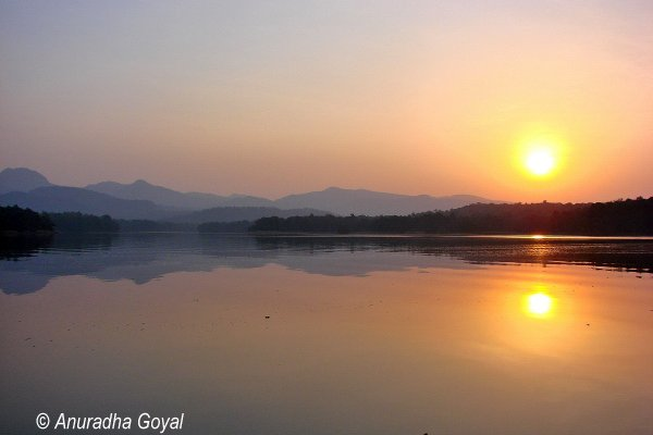 Sunrise over Denwa backwaters, Satpura
