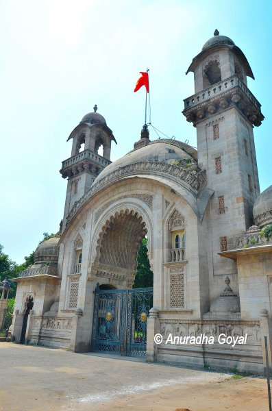 The main entrance to the Laxmi Vilas Palace complex