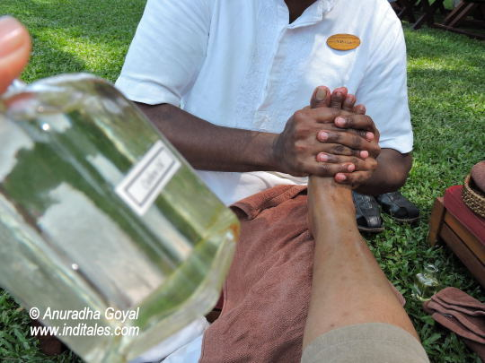 Cashew oil foot massage