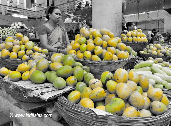 Mango Fruit stalls in Panaji Market, India summer travel delights