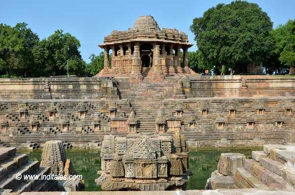 Learn Architecture of Sun Temple Modhera, Gujarat