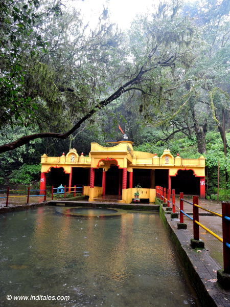 Hrinyakeshi cave Shiva temple
