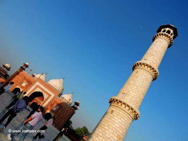 White Minar contrasting with the red of the mosque