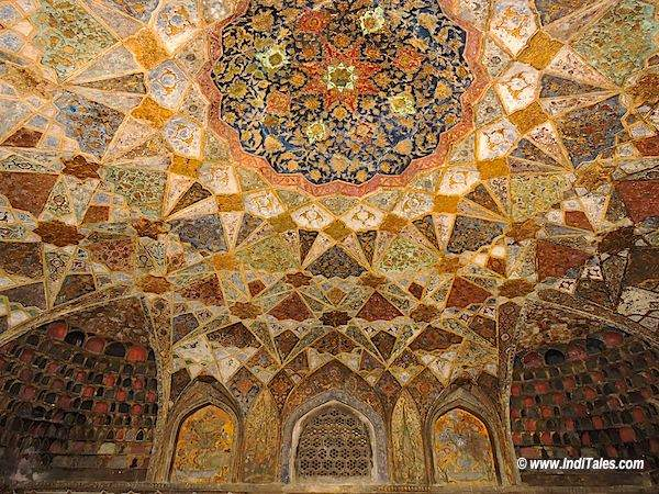 Rich ceilings of Itmad-Ud-Daula tomb