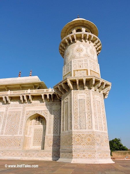 One of the towers of Itmad-Ud-Daula tomb