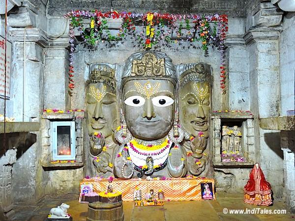 Shiva Murti at Samadishwara Temple, Chittorgarh Fort Temples