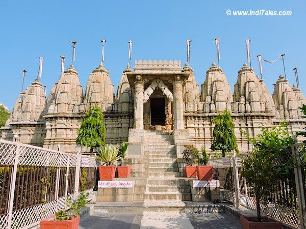 Saatbees Jain Temple, Chittorgarh Fort Temples