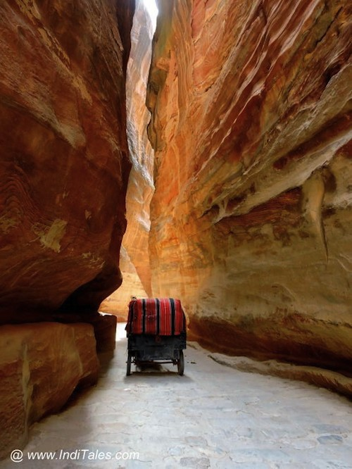 Siq- a natural protection against invasions, Petra Jordan