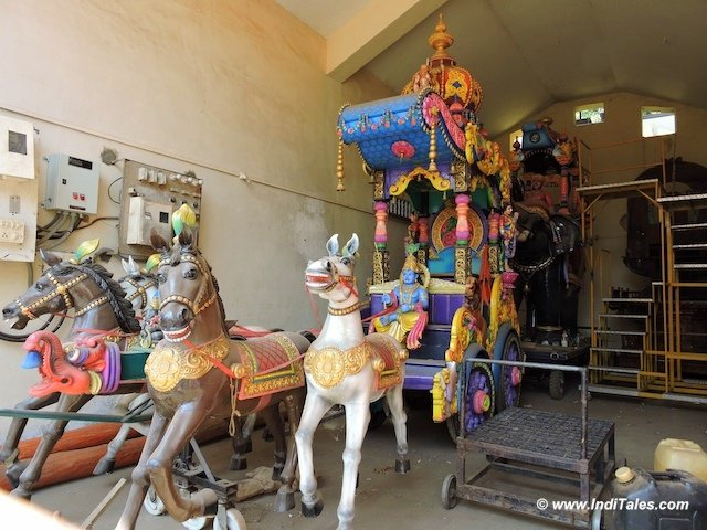 Horse Carriage at Mahalaxmi Temple, Goa