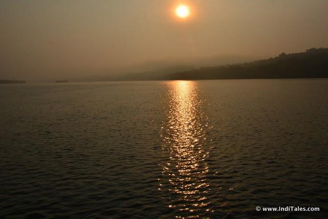 Sunrise over Mandovi River, en route to Divar Island, Places to visit in Goa