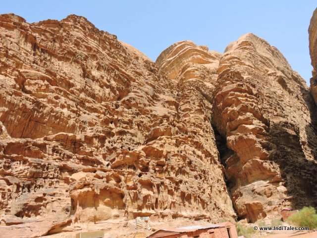 Closer look at Rocks of Wadi Rum