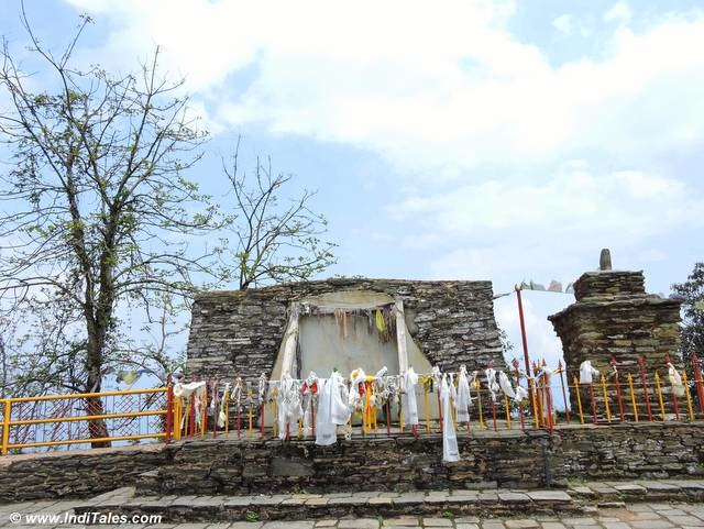 Prayer flags at Rabdentse palace ruins, Pelling