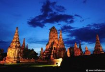 Ayutthaya Wat Chaiwatthanaram at Night