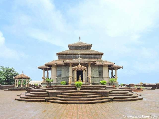 Jaya Vinayaka Temple near Jaigad Fort