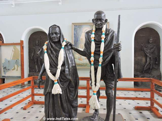 Idols of Mahatma & Kasturba Gandhi at Aga Khan Palace - Pune