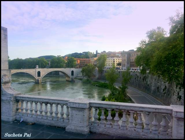 Walls along the River Tiber - Roman Holiday sightseeing
