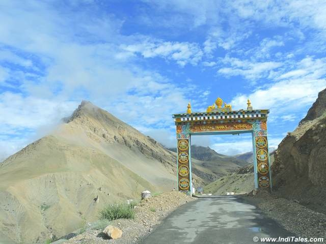 Roads of Spiti Valley en route to Kaza