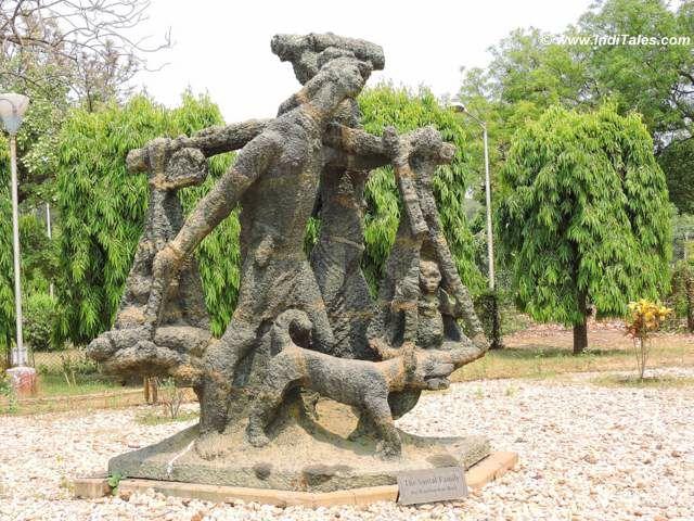 Santhal family sculpture at Uttarayan Complex, Shanti Niketan