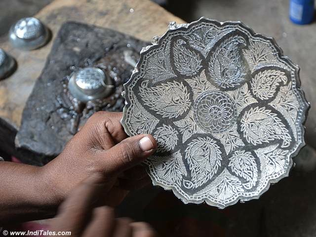 Bidri work - a perfect craft to take home from Hyderabad