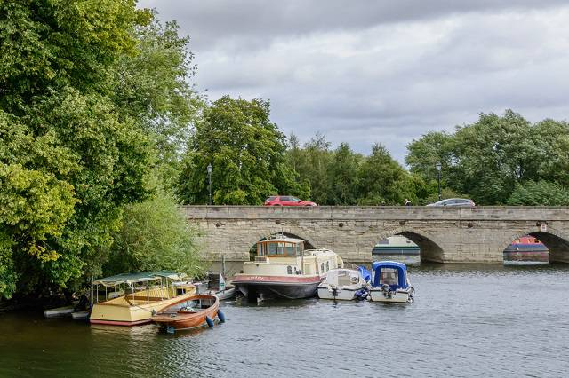 River Avon & its Clapton Bridge - Stratford upon Avon