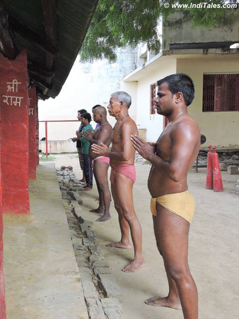 Prayers prior to wrestling at Tulsi Akhada, Varanasi