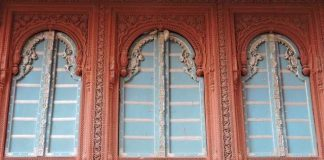 Play of colors and Carvings - Bikaner Havelis
