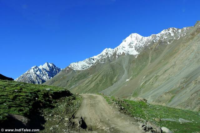 Road to Kunzum Pass
