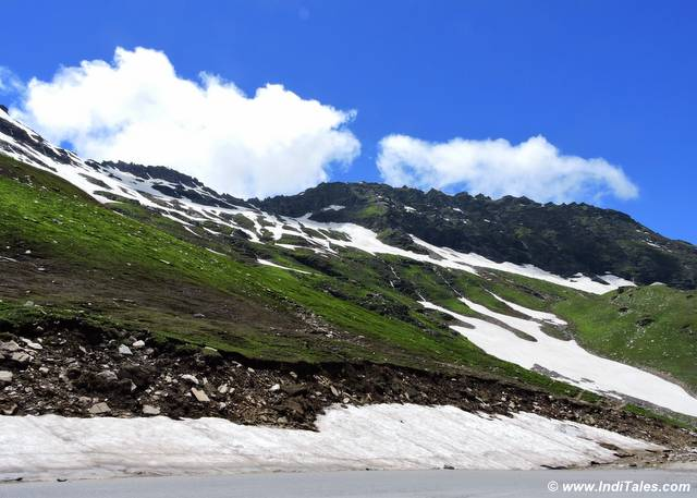 On the Manali - Rohtang Road