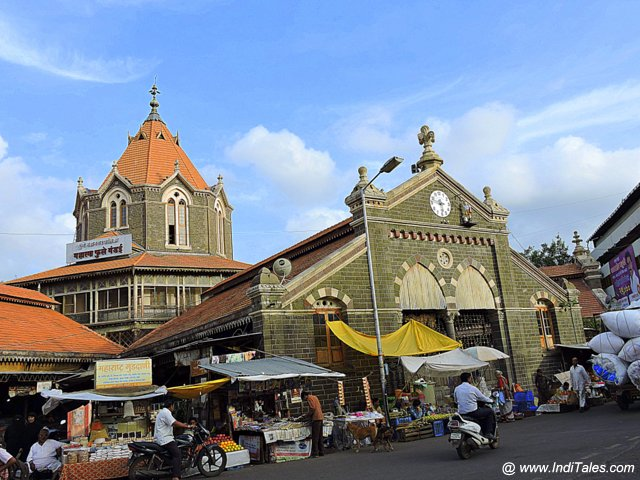 Mahatma Phule Mandai - the vegetable market
