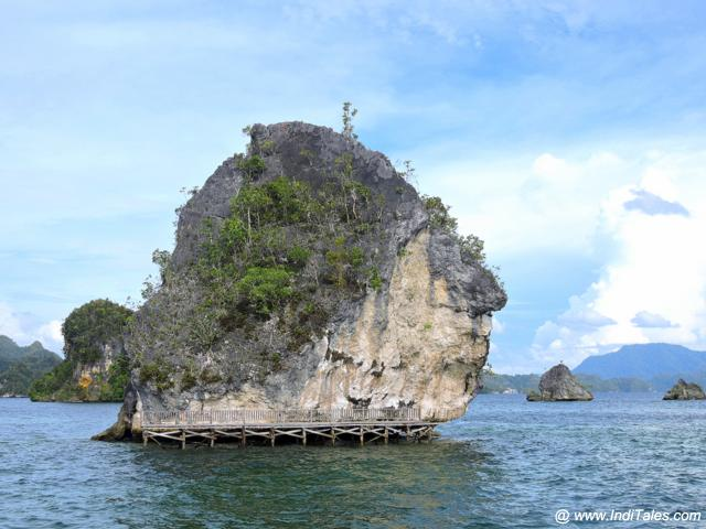 Rock formations at Kabui Islands