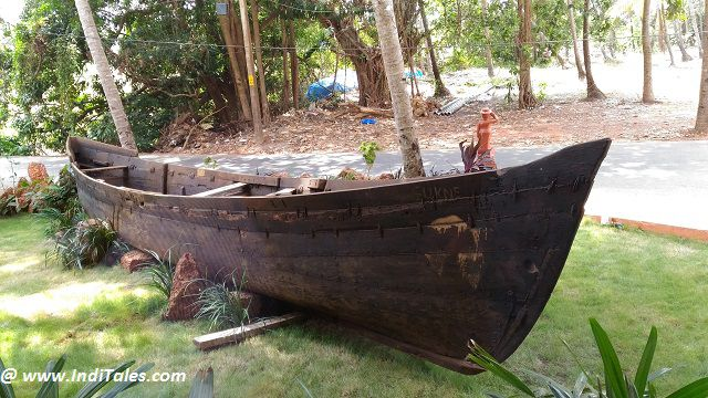 Fishing Boat sits gracefully outside La Vida Varca