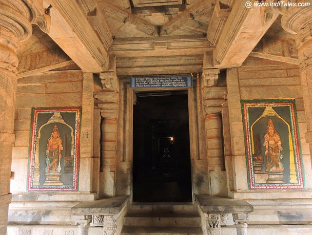 Painted Dwarpalas at Thousand Pillar Temple - Moodbidri