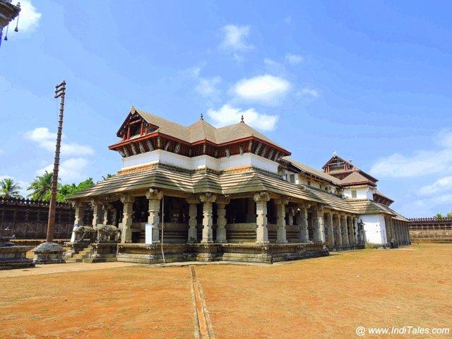 Thousand Pillar Temple - the most famous Jain Temple