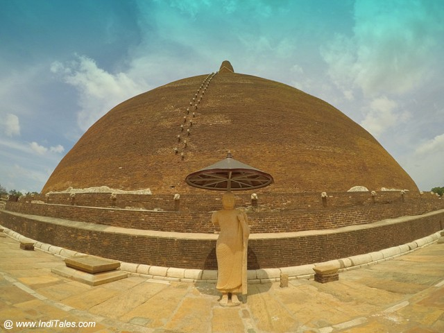 Abhaygiri Stupa - Anuradhapura