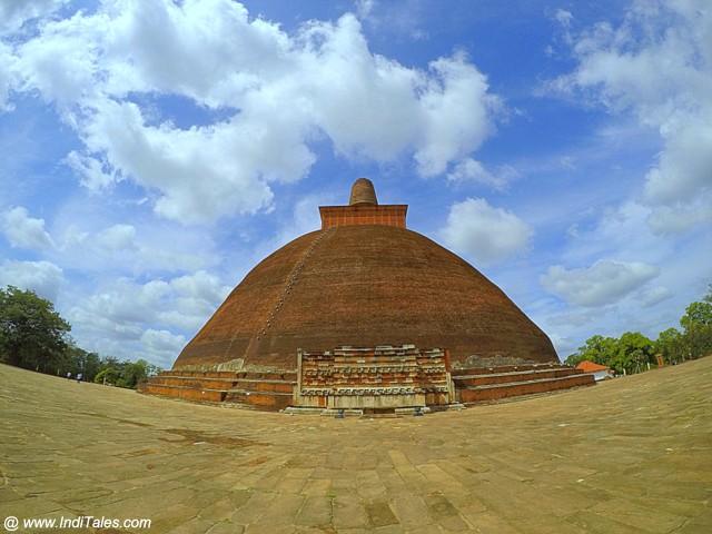 Jetvanaramaya Stupa - Anuradhapura
