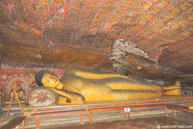 Buddha at Cave 4, Dambulla