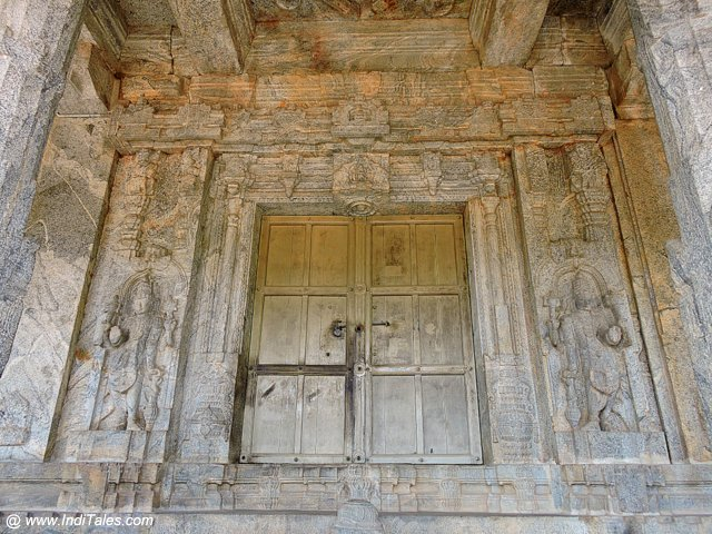 One of the doors of Chaturmukha Basadi