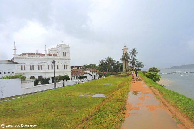 Walking on the wall of Galle Fort