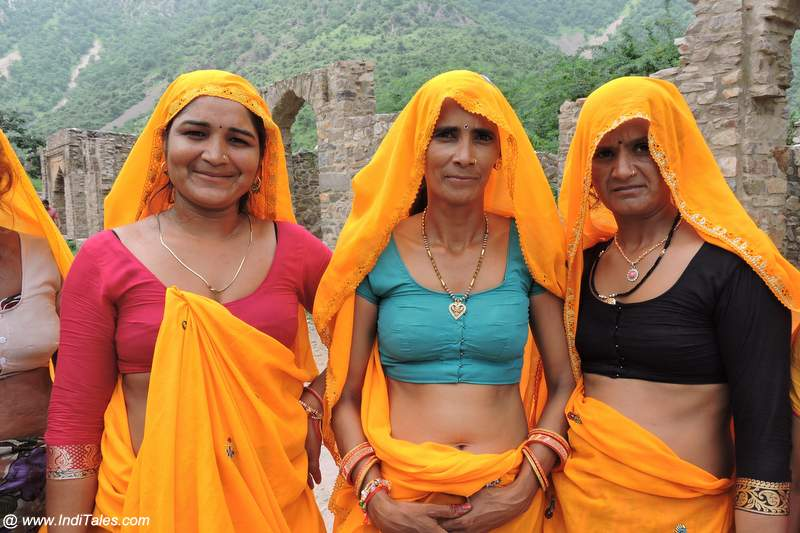 Women travelers I met at the Fort